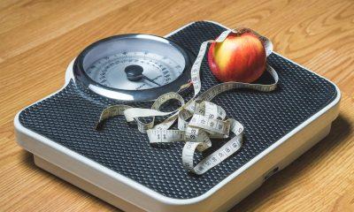 waga z jabłkiem