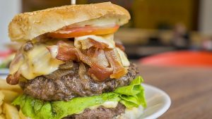 tłusty burger