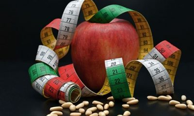 zdrowe jabłko i miarka