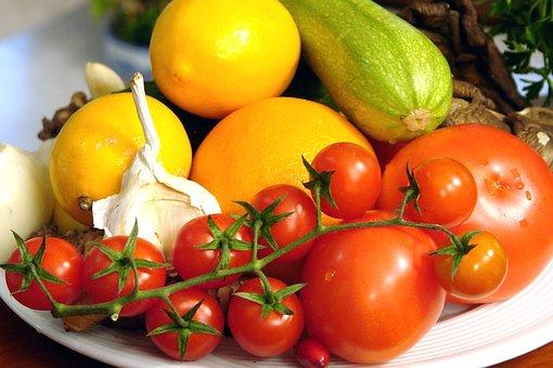 różnorodne warzywa i owoce